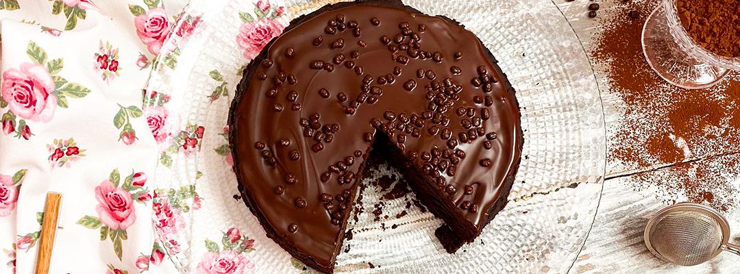 Tarta de Chocolate con Cobertura de Chocolate