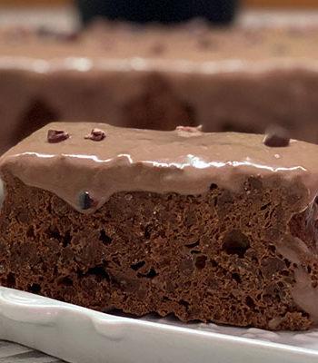 Portada Bizcocho de chocolate con dos ingredientes al micro